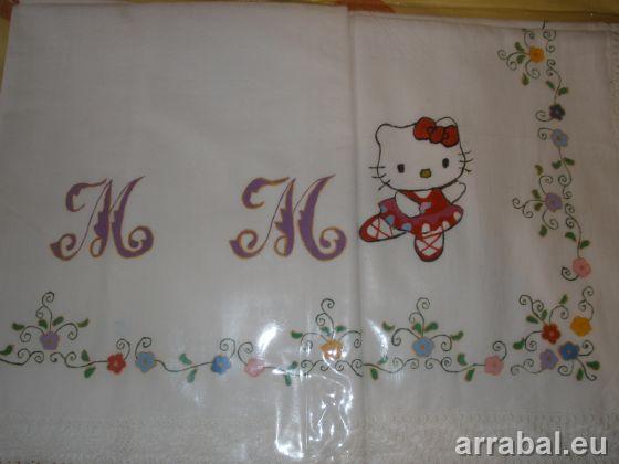 Juego de sabanas con Hello Kitty pintada a mano
